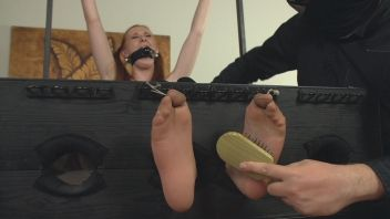 Czech Tickled Feet free